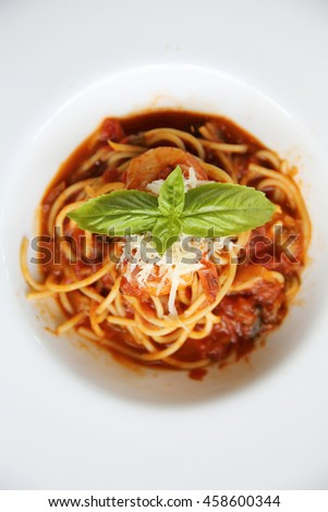 spaghetti bolognese with shrimp