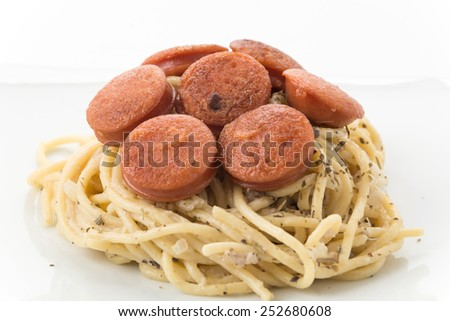 spaghetti cream sauce with sausage