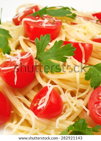 Spaghetti with cherry tomatos