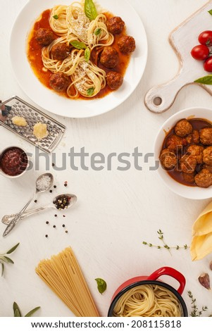 Spaghetti with meatballs with fresh basil and tomato sauce