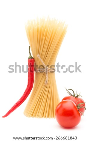 Spaghetti with red nor chilly pepper and tomatoes