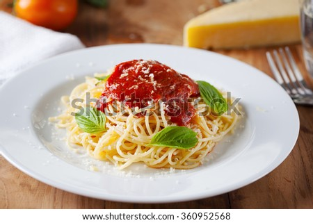 spaghetti with tomato sauce in plate