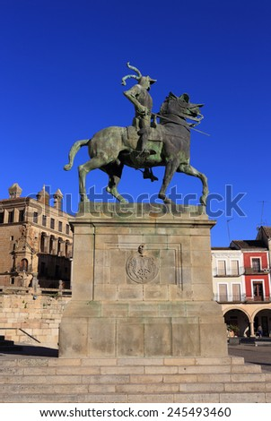 "Spain, Extremadura, Caceres, The historical town of Trujillo. Plaza Mayor and equestrian statue of Fransisco Pizarro - ""The Conqueror of Peru"", born in Trujillo."
