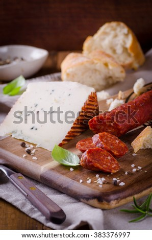 spanish salami with cheese and fresh bread