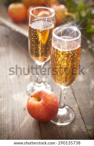 Sparkling apple cider - stock photo