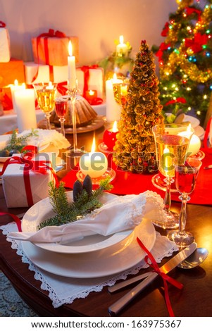 Special Christmas setting table