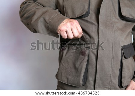 Specialized men's clothing with pockets