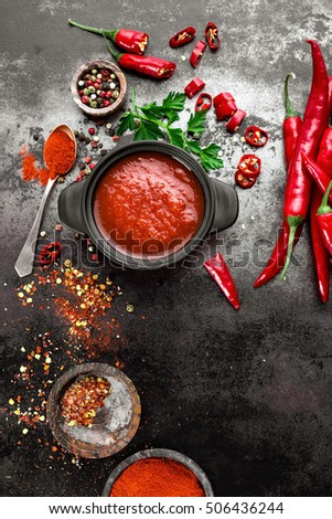 spicy chili sauce, ketchup