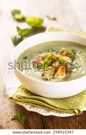 Spinach and basil soup