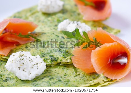 Spinach green pancakes with salmon and cream cheese, diet, proper nutrition, spring recipe, spring dish