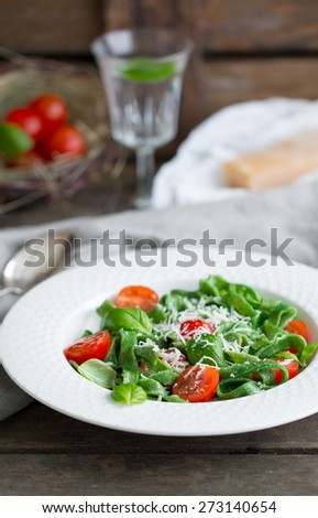Spinach Pasta with Cherry Tomato, Basil and Parmesan