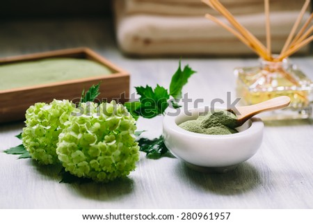 spirulina powder in ceramic bowl