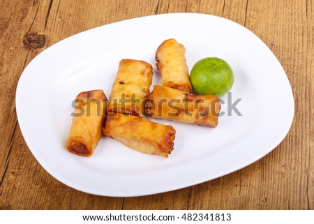 Spring rolls with prawn and vegetables