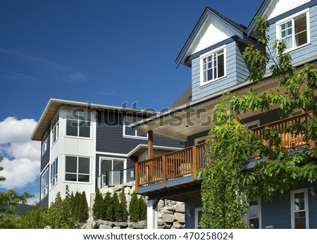 Squamish, residential area above the city. Vancouver neighbor, 73 km distanced Squamish is very polular luxury living place. Community is groving and expanding into surrounding mountain rocky forest
