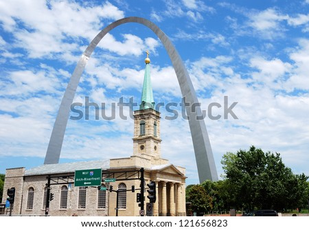 St. Louis Arch and the old Basilica Cathedral in St. Louis, Missouri