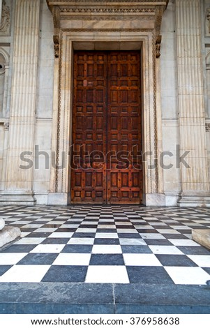 st paul    cathedral in london england old construction and religion - stock photo