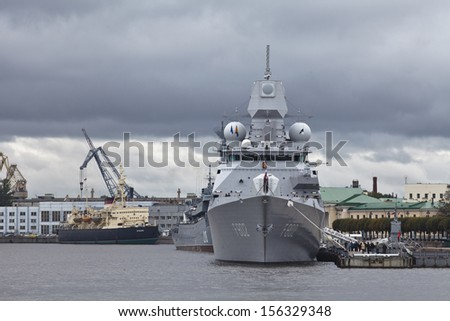 ST. PETERSBURG - SEPTEMBER 26: HNLMS De Zeven Provinci�«n air defence and command frigates in service with the Royal Netherlands Navy docks at river Neva in July 26, 2013 in St.-Petersburg, Russia