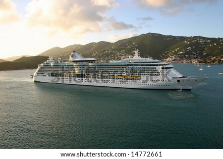 ST. THOMAS, USVI - JANUARY 22:  The Radiance of the Seas turning around in  port on January 22, 2008 in St. Thomas, USVI. The Radiance has a capacity of 2,501 passengers.