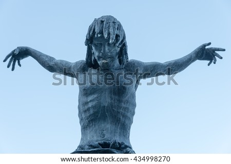 Statue of a Jesus without the cross
