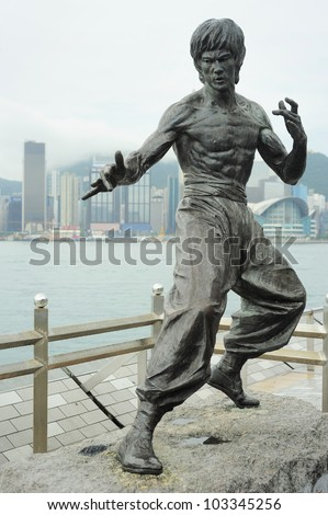 Statue of Bruce Lee at Avenue of Stars n Hong Kong