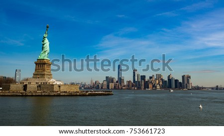 Statue of Liberty with Manhattan skyline, New York, USA