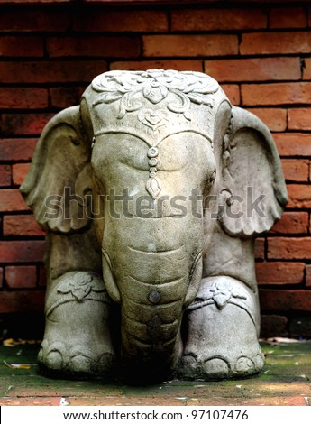 statue white elephant in Thailand