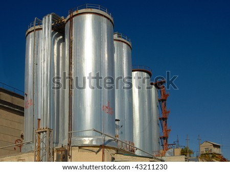 Steel industrial tanks