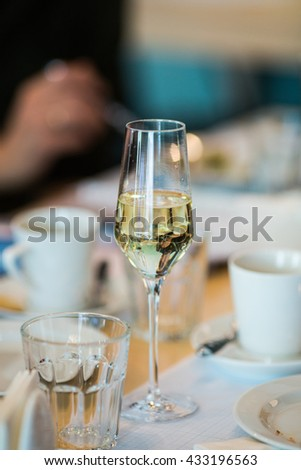 stemware, wine glasses