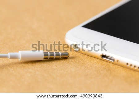 Stereo Earphone jack connect to smartphone