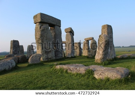 Stonehenge from outside the circle 2