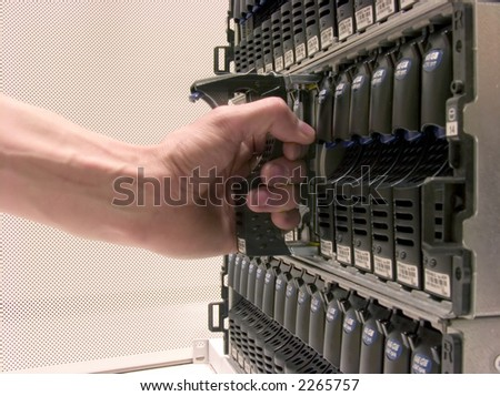 Storage Area Networking, Cluster of Hard Drives