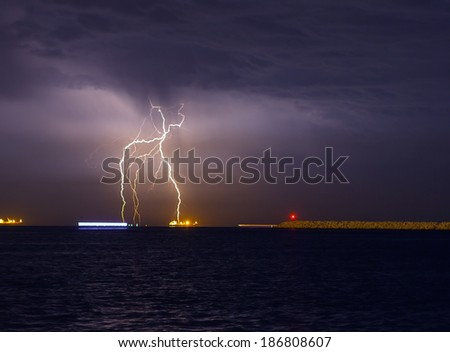 storm beginning with lightning