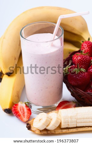 Strawberry Banana Smoothie made with fresh Ingredients