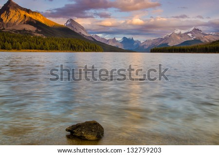 Stunning Maligne Lake in Jasper National Park