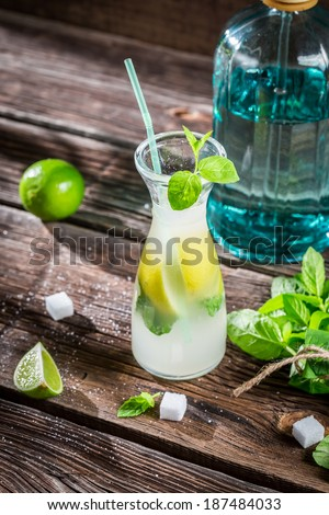 Sugar and citrus fruits for cold drink