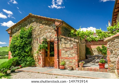 Summer small cottage in Tuscany, Italy