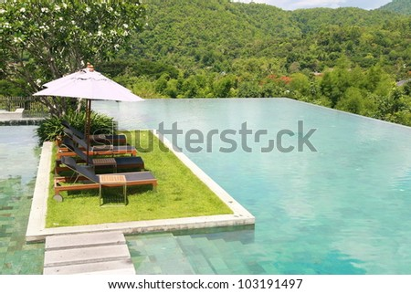 sun deck , swimming pool