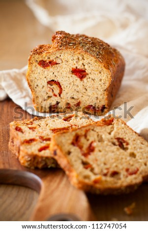 Sun dried tomato and cheese bread