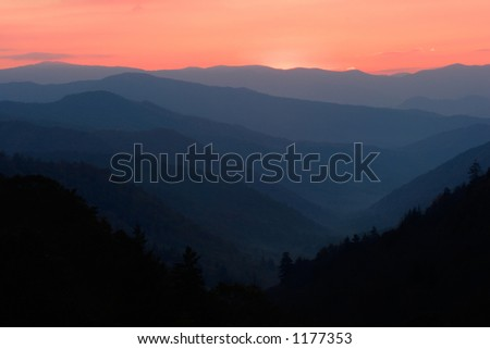Sunrise overlooking a valley of the Smoky Mountains Nat. Park, USA.