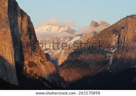 sunset at a tunnel view at yosemite national park