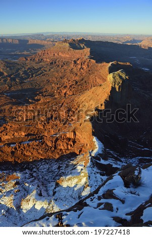 sunset at Anticline Overlook in Utah during winter