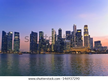 sunset at Marina Bay and Singapore skyline