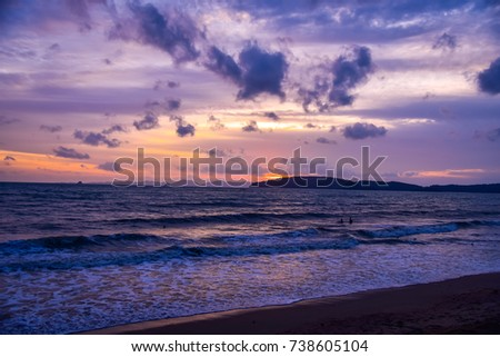 Sunset on the beach with cloud and sky.