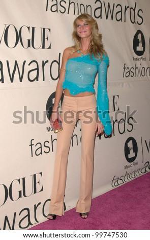 Supermodel GISELE BUNDCHEN at the VH1/Vogue Fashion Awards in New York. 20OCT2000.  Paul Smith / Featureflash - stock photo