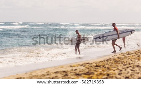 surfers waiting for a wave, effect film, 30.12.2016, Dominicana