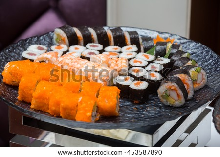 sushi roll eating in japanese style good for health