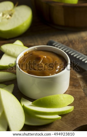 Sweet Homemade Caramel Dip with Sliced Apples to Snack On