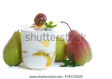 sweet pears with yogurt and honey