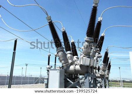 Switchgear equipment of dead tank circuit breaker