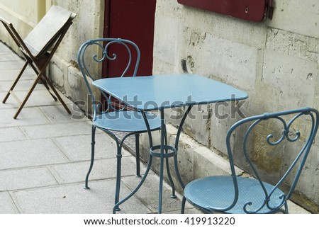 Table in the street
